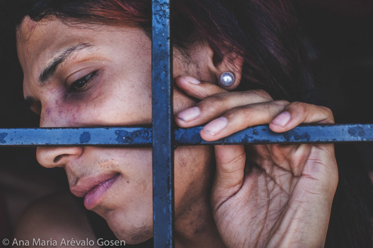Dias Eternos, Women in prison in Venezuela